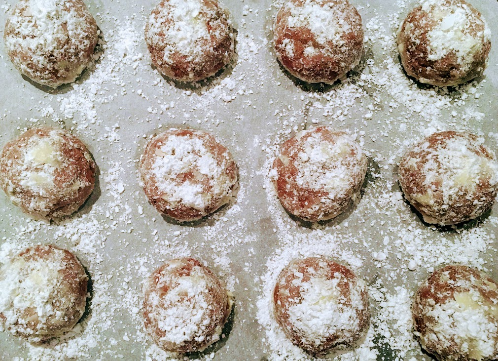 Every Holiday Season I Bake Russian Tea Cakes Also Known As Mexican Wedding Cookies Snowball And Polvorones A Traditional Spanish Christmas