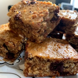 Tahini Almond Blondies